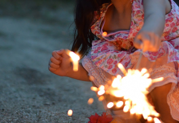 お家の屋上での花火やバーベキューは避けましょう|千葉県
