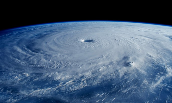 台風衛星写真