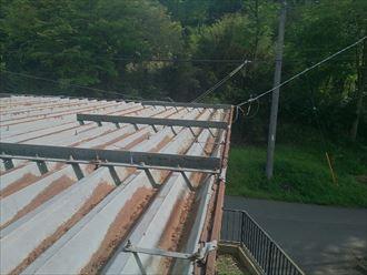 錆び付いた折板屋根
