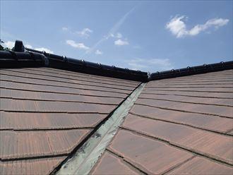 市原市の屋根リフォーム調査はコロニアルに瓦の棟のお住まい