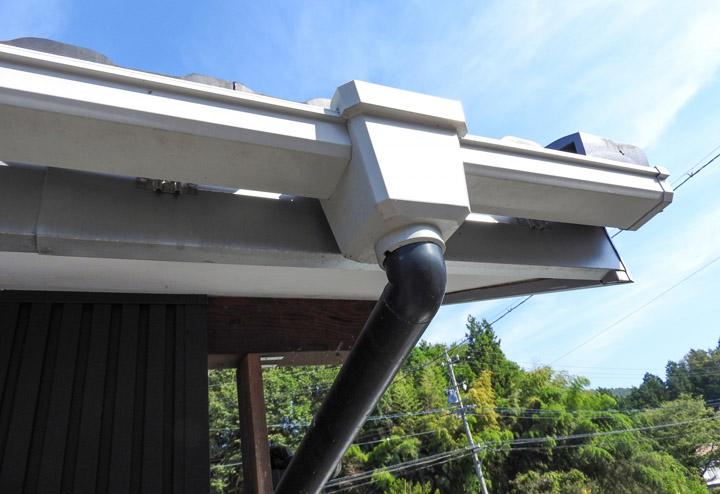 雨樋を交換するなら雨水タンクの設置はいかがですか