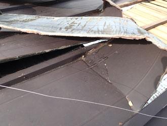 富津市 トタン屋根 折れ