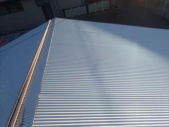 金属屋根材の取付