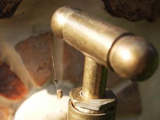 真鍮の水栓