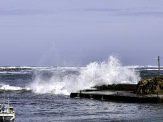 台風後の大波