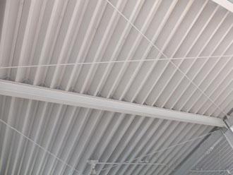 工場・倉庫の定番、折板屋根