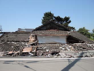 熊本大地震で1階部分が倒壊したお住まい