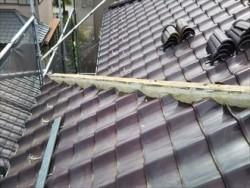 千葉市緑区で軽量シルガードを使用し棟瓦取り直し・漆喰(しっくい)詰め直し工事ビフォー