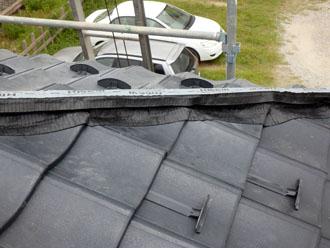 乾式自在面戸WはROOGAの軽量性に合わせ、より屋根を軽くするために開発されました。