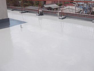 ウレタン防水による通気緩衝工法