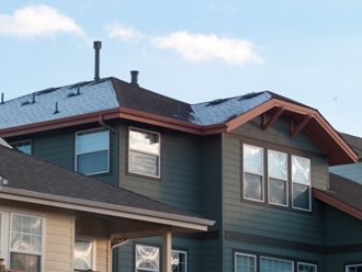 ソーラーパネルを設置した屋根