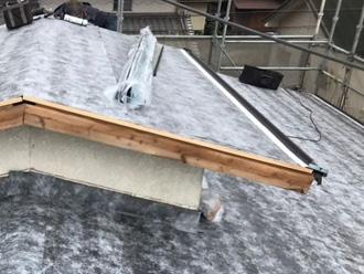 越屋根の屋根葺き替え工事 ルーフィング設置