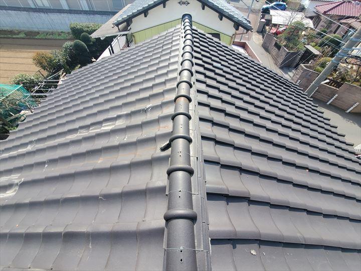 松戸市千駄堀で行った瓦屋根の調査で棟が歪んでいます