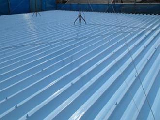 台形の連なる折板屋根