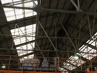 工場屋根の調査、明り取り