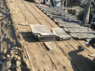 既存のセメント瓦の撤去