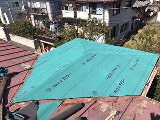 防水紙の敷設実施