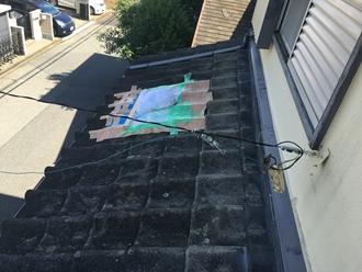 下屋根野平瓦の割れ