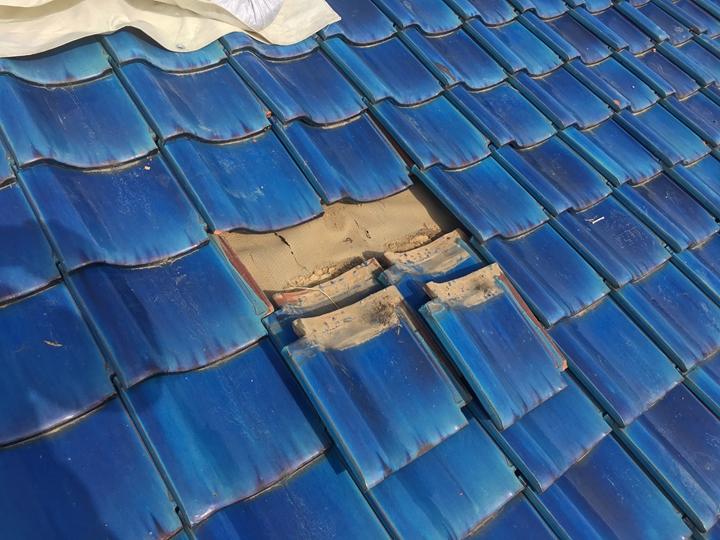 和瓦の調査、下地防水紙の劣化