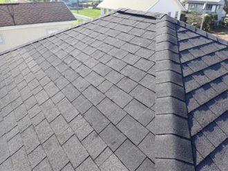 アスファルトシングルの寄棟屋根