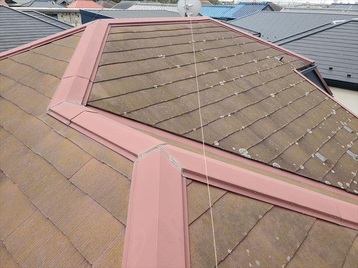 柏市宿連寺で防水性が低下しているスレート屋根の調査