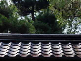 普通の瓦屋根