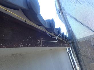 雨樋取り付け金具の設置