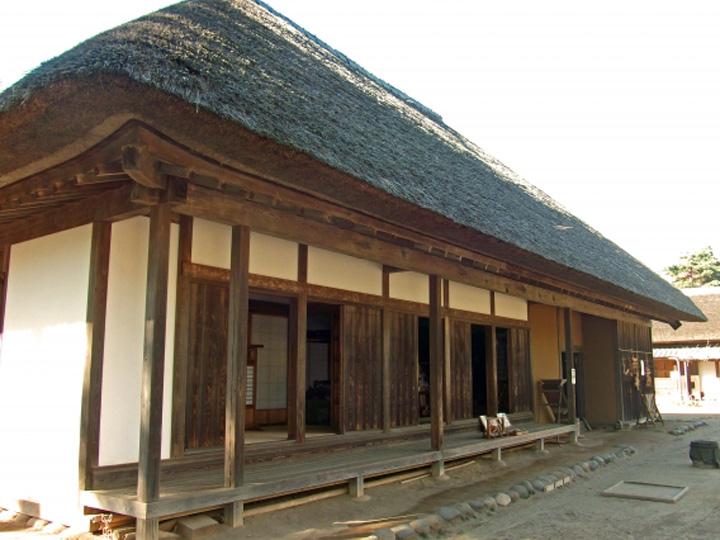 下総の茅葺き屋根