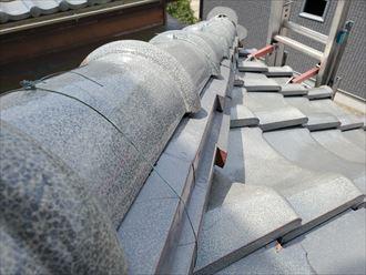 下屋根の棟ののし瓦のズレ