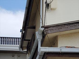 令和元年房総半島台風の影響で軒瓦がずれてしまい落下の危険があります
