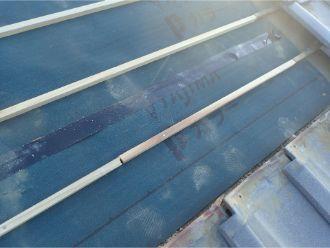 防水紙と瓦桟の設置