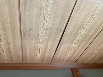雨漏りの確認、目透かし天井