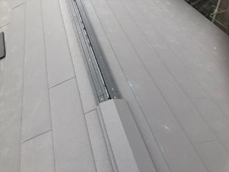 貫板と棟板金を設置
