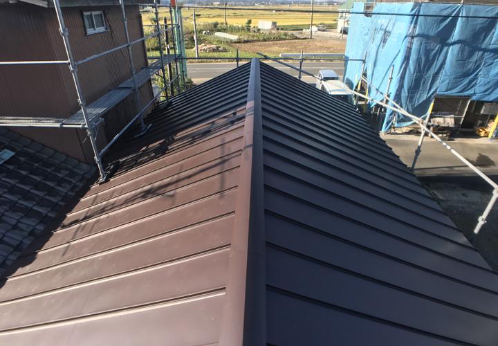 台風15号により被災してしまった金属屋根を縦葺き屋根へ葺き替え 施工後