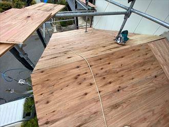 下屋根の野地板敷設完了