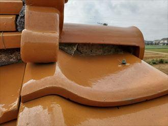 漆喰が剥がれてしまい固定する力が弱くなってしまうと瓦が落下する危険性があります