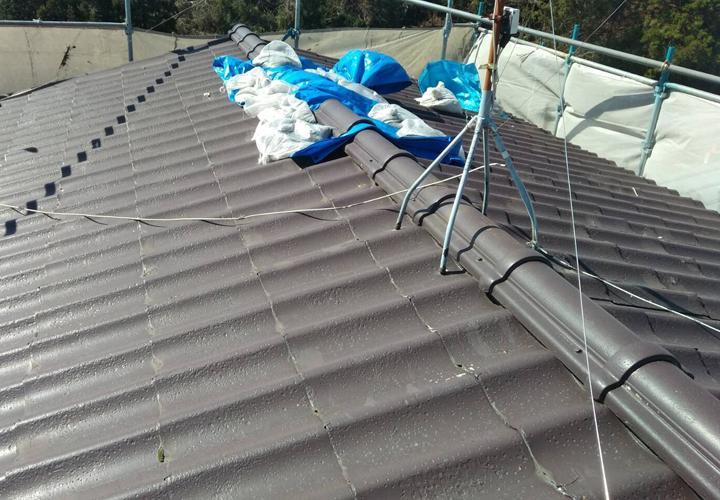 台風15号によって被災してしまったセキスイかわらUの屋根は養生されていました