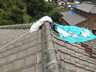 瓦屋根、棟の台風被害