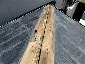 貫板の劣化により棟板金が飛散