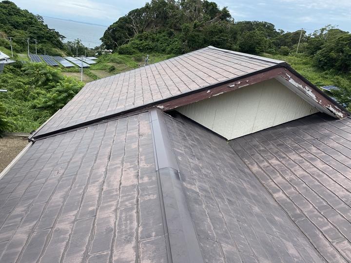 スレート屋根の経年劣化調査