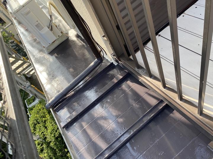 瓦棒屋根、塗装完了