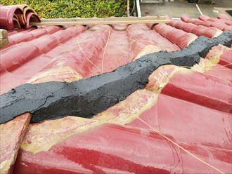 棟取り直し工事で銅線を仕込みます