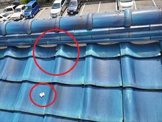 令和元年房総半島台風の影響で棟の漆喰が剥がれていました