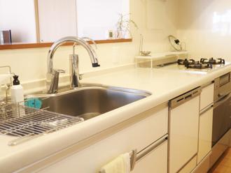 キッチン廻りにはシリコン系シーリング材が最適