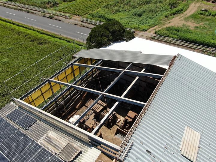 折半屋根の撤去工事