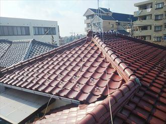 柏市中新宿にて行った瓦屋根の調査の様子