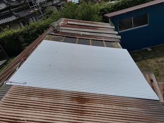 トタン屋根の差し替え