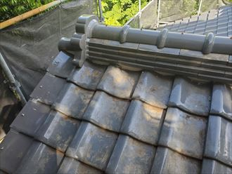 棟取り直し工事で鬼瓦を設置
