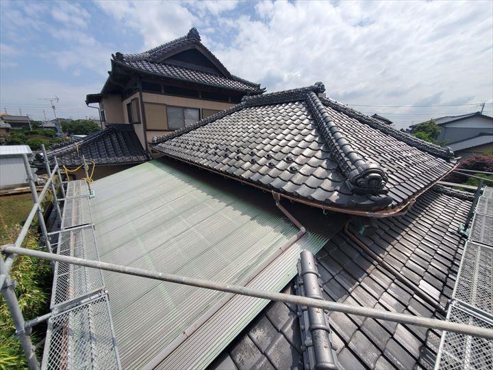 屋根部分葺き直し工事と棟取り直し工事が完了