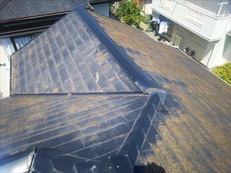 八千代市八千代台東にて塗膜が剥がれたスレート屋根の調査